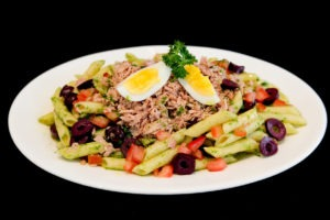Salada de atum light com penne do Balda Mix