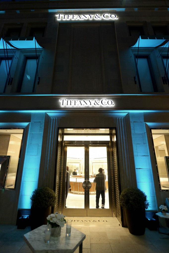 BEVERLY HILLS, CA - OCTOBER 13: A view of the atmosphere at Tiffany & Co.'s unveiling of the newly renovated Beverly Hills store and debut of 2016 Tiffany masterpieces at Tiffany & Co. on October 13, 2016 in Beverly Hills, California. (Photo by Charley Gallay/Getty Images for Tiffany & Co.)