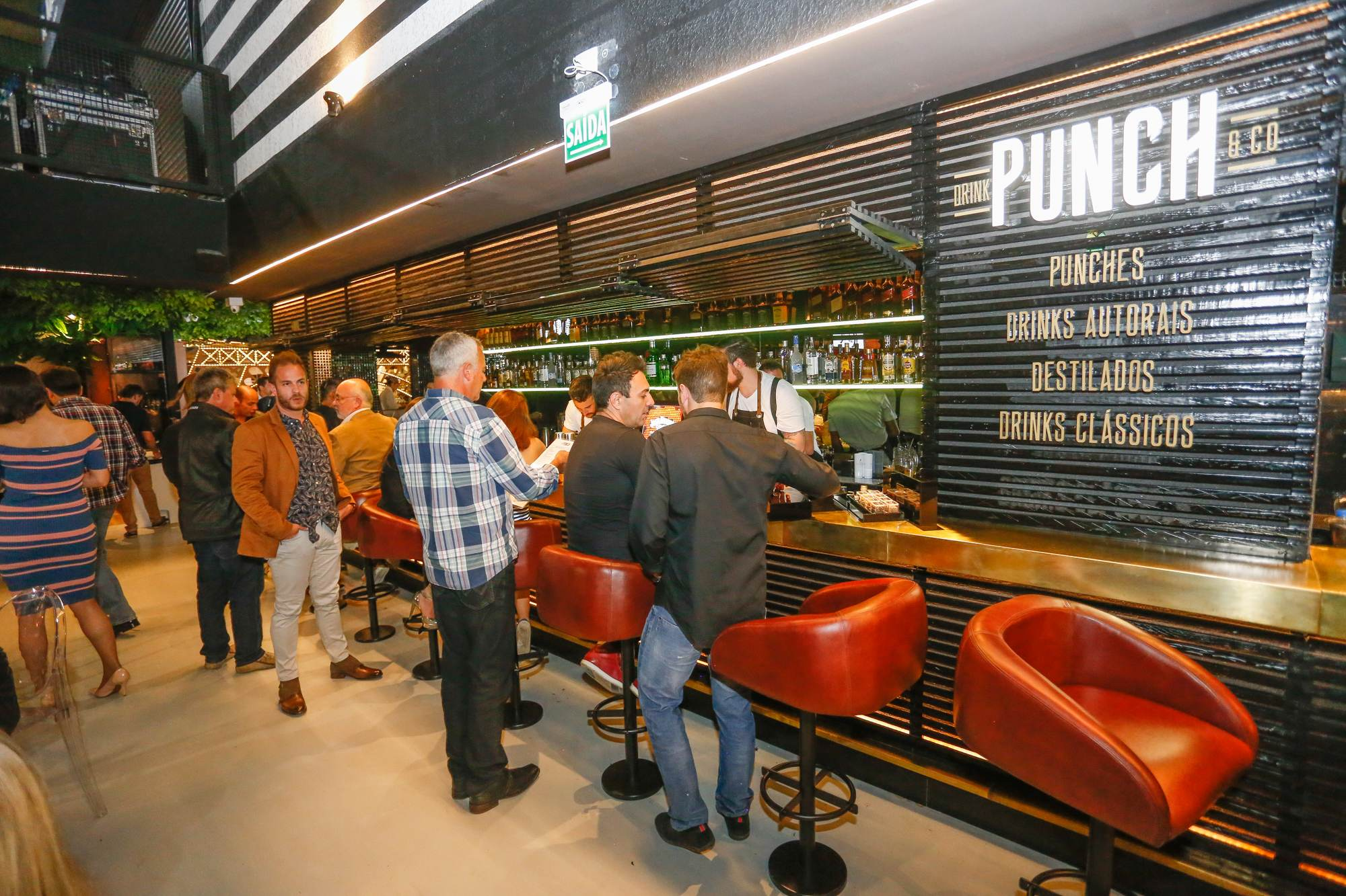 Bar de drinks Punch investe nos drinks compartilhados no Fresh Live Market