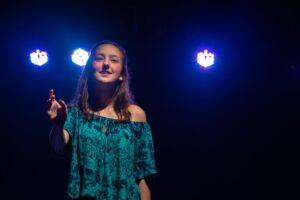 Aulas de teatro possibilitam o resgate emocional durante a pandemia